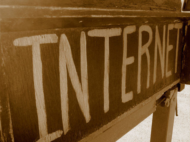internet-1243483-640x480